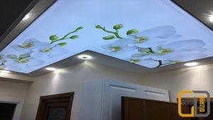 çiçek görselli koridor gergi tavan
